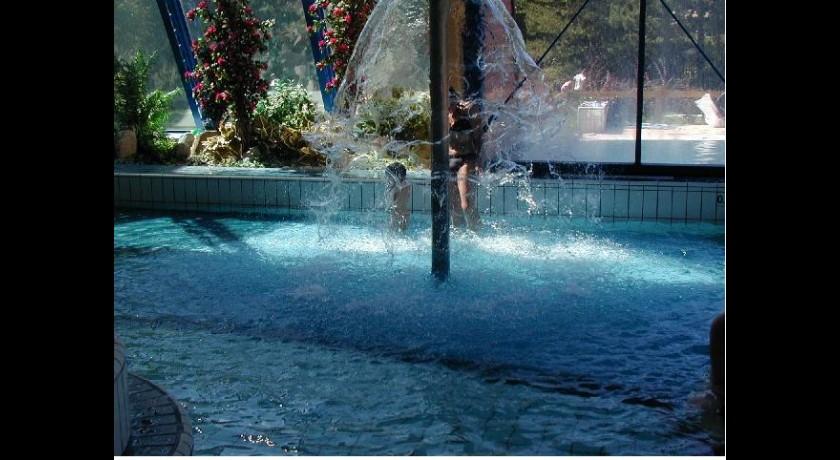 Parc 1326 piscine et patinoire brian on tourisme for Piscine patinoire