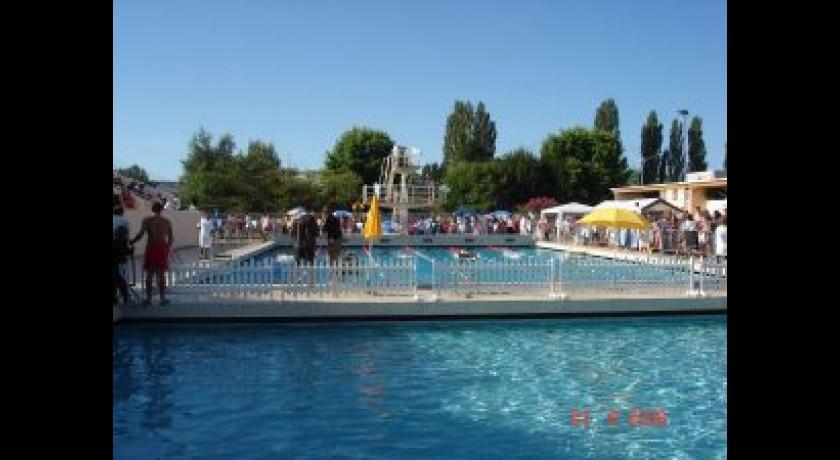 Piscine municipale de bazas bazas tourisme piscine for Piscine desjoyaux bazas